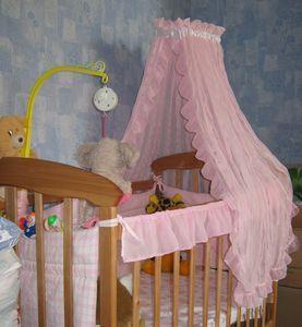 Балдахін на дитяче ліжечко