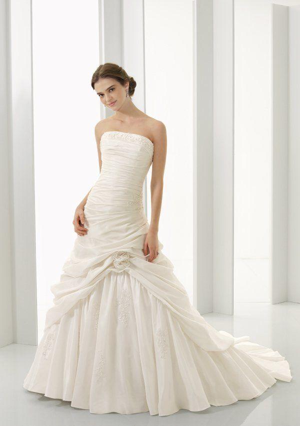 Біле плаття на весіллі