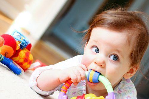 Дайте дитині безпечні іграшки