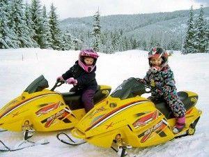 Дитячі снігоходи - перший крок у великий спорт