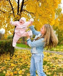 Користь і шкода динамічної гімнастики для немовлят