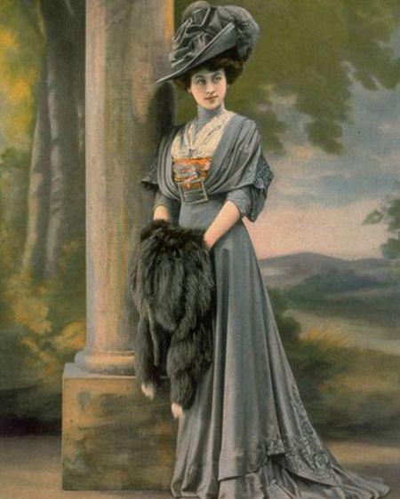 Горжетки з хутра: з яким одягом носити