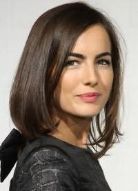 красиві стрижки на середні волосся без чубчика 1