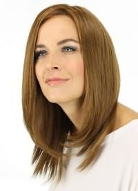 красиві стрижки на середні волосся без чубчика 6