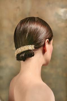 як красиво укласти коротке волосся