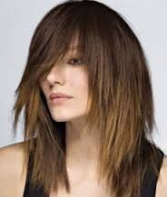 Стрижка каскад дозволяє змінити образ, але і зберегти довжину волосся