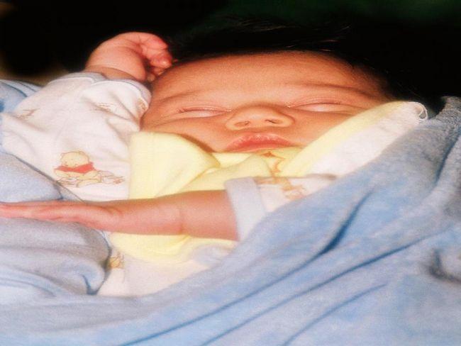 Як одягнути новонародженого на виписку з пологового будинку?
