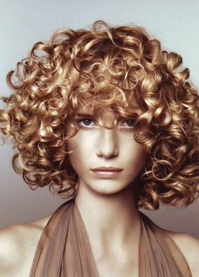 Як підстригти кучеряве волосся