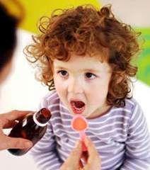 Як дитині дати таблетку