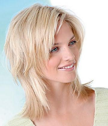 Приклад зачіски каскад на середніх волоссі