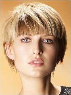 Як зробити зачіску на коротке волосся