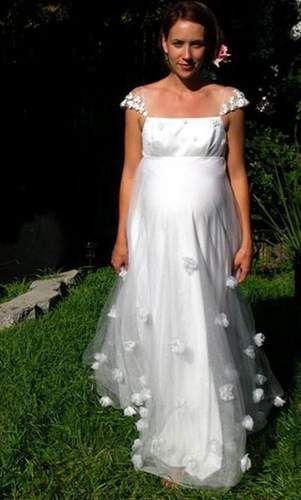 Тонкий гіпюр для сукні для нареченої в положенні