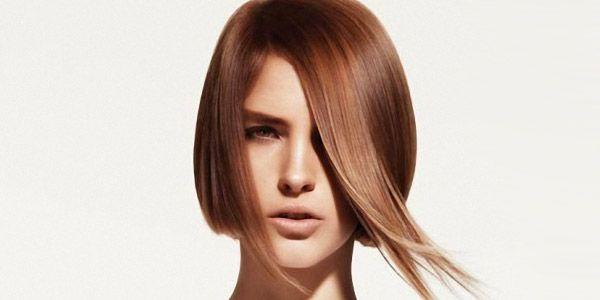 Яка зачіска з довгим волоссям їй підійде