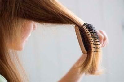 Який гребінцем краще розчісувати довге волосся