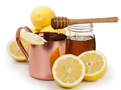 Маска для волосся з медом і лимоном