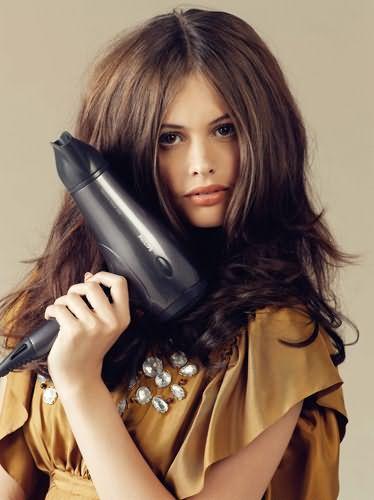 Пам`ятайте, гаряче повітря пересушує волосся, використовуйте фен тільки в разі потреби.