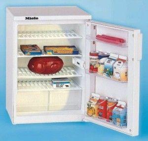 Новий холодильник в будинок, де є дитина