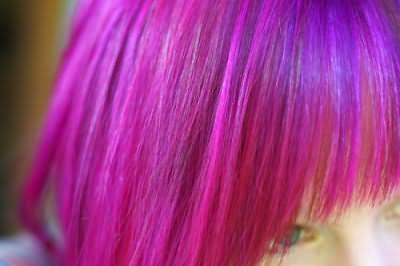 Фарбувати волосся під час місячних
