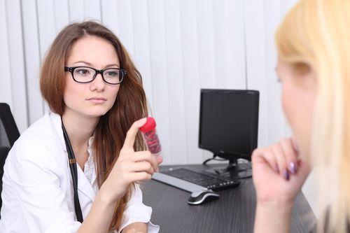 Огляд гінеколога після пологів