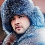 Підбираємо стильну чоловічу хутряну зимову шапку