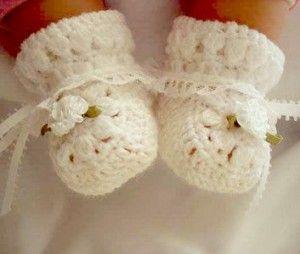 Перша взуття малюка повинна бути легкою і комфортною