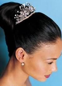 Зачіска нареченої на довге волосся