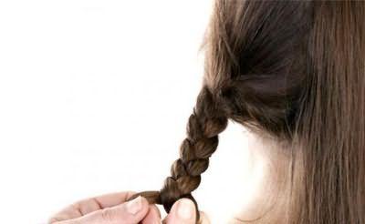 прості зачіски для дівчаток на кожен день фото