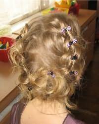 Зачіски для дівчаток в садік9