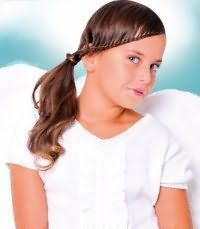 Модна зачіска для першокласниці з довгим волоссям