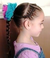 Зачіска з плетінням для першокласниці