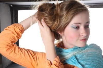 Красиві пучки з волосся вигідно відтіняють гідності нашого особи і всього образу.