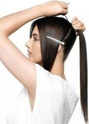 зачіска кінський хвіст з чубком