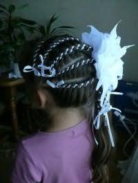 Стильна зачіска з бантом