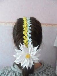 Оригінальна зачіска з плетінням на 1 вересня