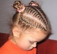 Оригінальна зачіска з косами для середніх волосся