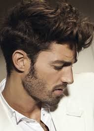 Не варто захоплюватися засобами для укладання, їх надмірна кількість на волоссі зробить пасма некрасивими і важкими