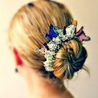 Цікавий аксесуар для повсякденного зачіски пучок на середні волосся