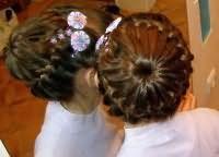 шкільні зачіски для дівчаток на довге волосся 7