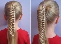 шкільні зачіски для дівчаток на довге волосся 4