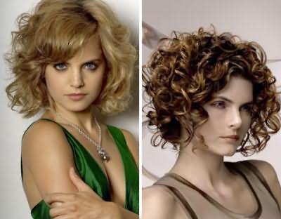 Для власниць кучерявого локонів, теж є варіанти зачісок, вдалі - на фото.