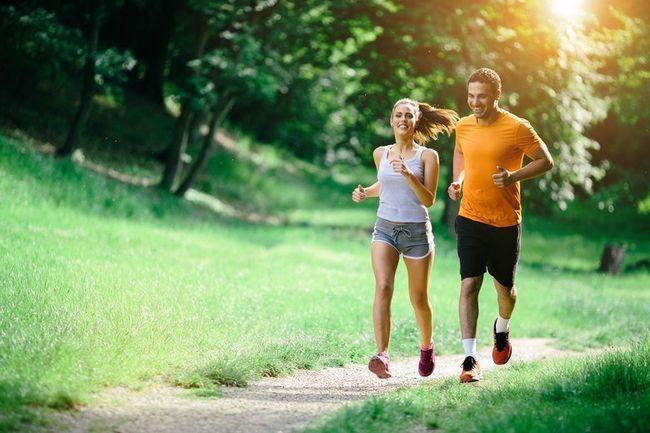Спорт для двох: як правильно проводити спільні тренування