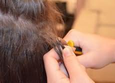 Як зняти нарощені волосся вдома