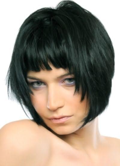 Каре на середні волосся з чубчиком фото