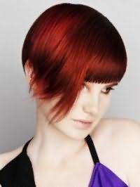 Асиметрична креативна стрижка для прямих коротких волосся червоного відтінку