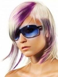 Ідея емо стрижки для середніх волосся з фіолетовим мелірування