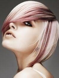Красива креативна стрижка з косою чубчиком і мелірування для короткого волосся