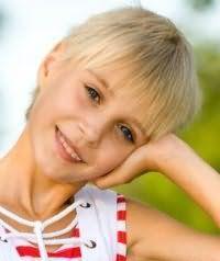 Дитяча стрижка для дівчаток з коротким волоссям