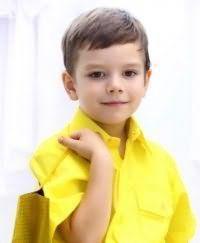 Класична дитяча стрижка для хлопчика