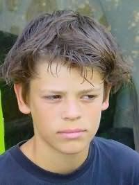Подовжені волосся для зачіски хлопчика