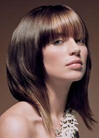 стрижки для обсягу на середні волосся 6
